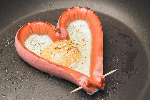 Valentine's Day Breakfast Recipes for Kids: How to Make Heart-Shaped Hot Dogs & Eggs