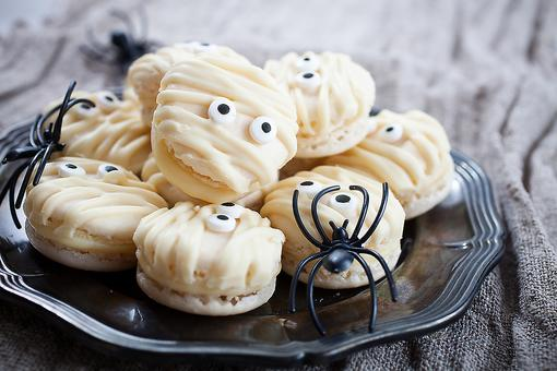 How to Make Spooky Mummy Cookies (No Baking Required)!