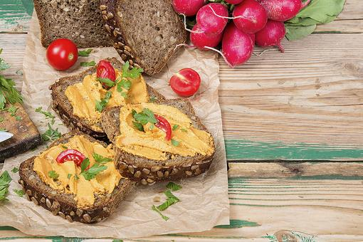 How to Make a Healthy Raw Nut Pate (You'll Go Nuts for It)!