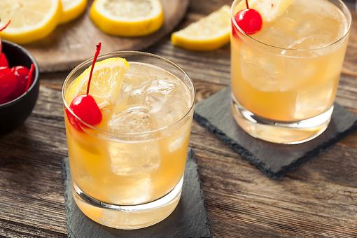 ​Whiskey Cocktails: How to Make an Awesome Whiskey Sour!