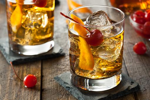 How to Make a Classic Old Fashioned Cocktail (It Dates Back to 1881)