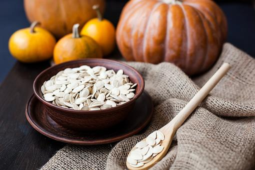 How to Roast Pumpkin Seeds (An Easy & Healthy Fall Treat)!