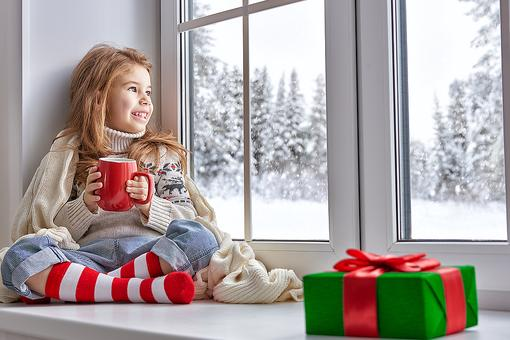 "How to Survive a Winter ""Snow Day"" or ""Too-Cold Day"" With Your Kids!"