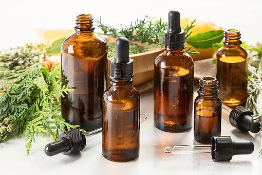 How to Use Breathe Essential Oils: 5 Best Essential Oils for Cold & Flu Season
