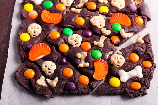 How to Use Leftover Halloween Candy to Make Thankful Cookies!
