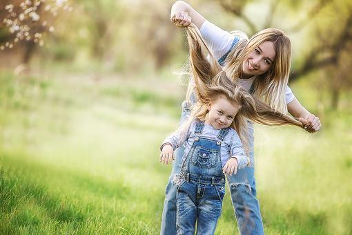 I'm a Perfect Mom & My Kids Are, Too (and Other Lies I Tell Myself)
