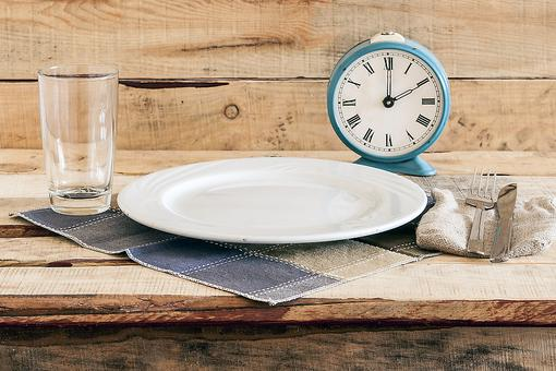 Intermittent Fasting: Beneficial or Risky? Here's What a Personal Trainer Has to Say!