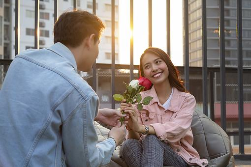 Is Your Date Sweet or Psycho? DateShield App Helps Alert Women to Red Flags of Narcissism, Gaslighting & More When Dating