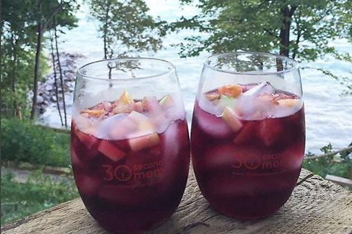 Wine Wednesday: How to Make a Fruity & Fabulous Red Wine Sangria!