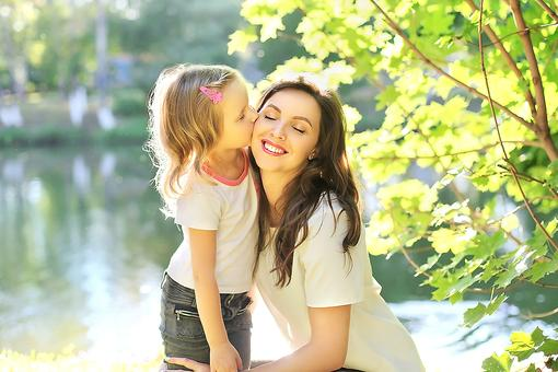 It's Time to Celebrate National Kiss a Mom Week: Is It Real? No, but It Should Be. Here's Why!