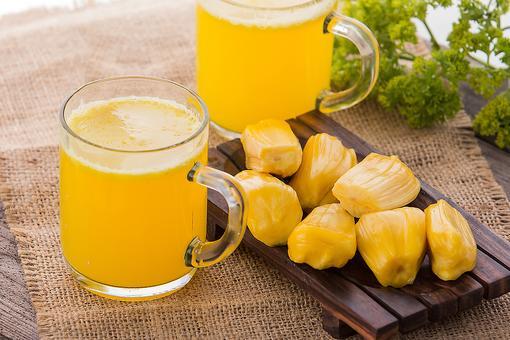How to Make a Healthy Jackfruit Yogurt Smoothie!