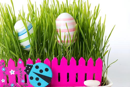DIY Easter Decorations: Jazz Up Your Easter Table With This Fuss-Free Centerpiece