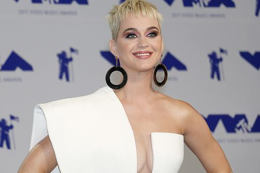 "Katy Perry & Social Media Pressure: The ""American Idol"" Judge Questions Social Media's Purpose & Influence"