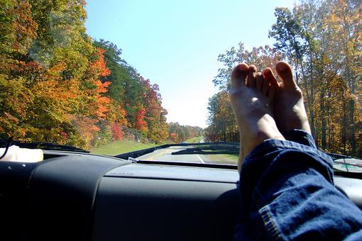 Keep Kids' Feet Off the Dashboard When Driving! The Scary Reason Why...