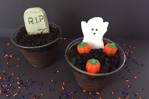 Kids Crazy for Pudding? How to Make No-Bake Halloween Pudding Cups!