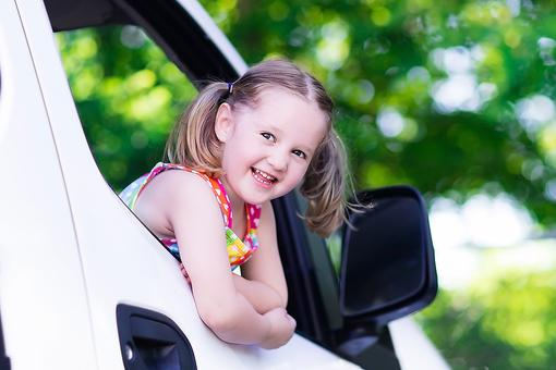 Kids Want to Ride Shotgun in the Car? Here Are the Requirements!
