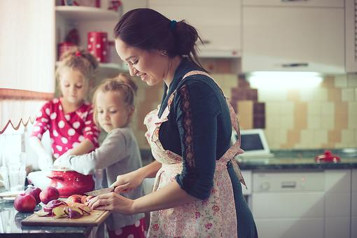 Kitchen Safety: 8 Tips to Avoid Thanksgiving Cooking Mishaps!
