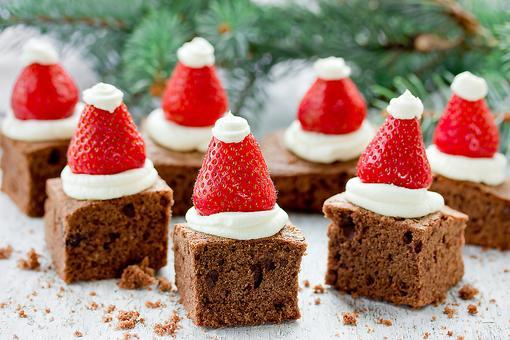 Easy Christmas Dessert Recipes: How to Make Quick Strawberry Santa Hats