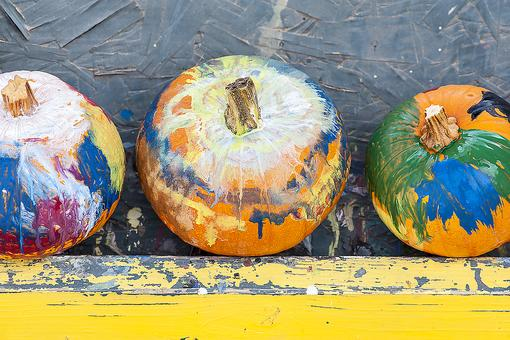 Let Kids Design Their Own Halloween Pumpkins (All By Myself)!