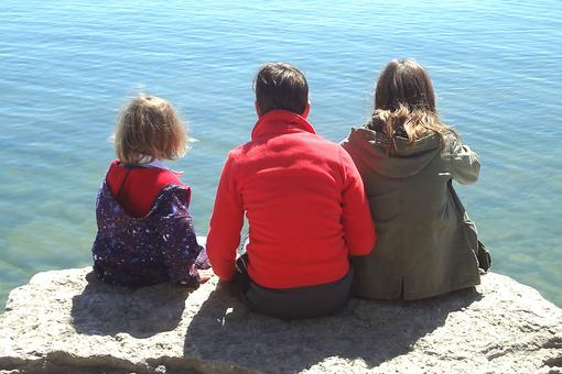 Life With 3 Kids Requires an Illusion of Fairness: How to Plant the Seeds for Sibling Bonding