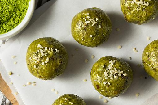 Matcha Tea Energy Balls Recipe: This No-Bake Matcha Snack Bites Recipe Is a One-Bite Wonder
