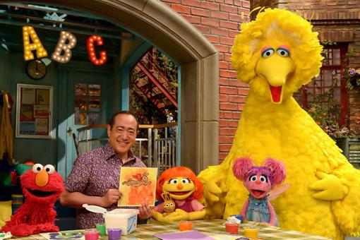 "Meet Julia, the New ""Sesame Street"" Puppet With Autism!"