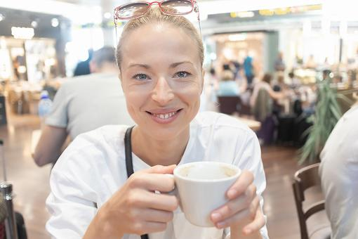 Mindfulness While Traveling: 5 Ways to Practice Self-Care At the Airport