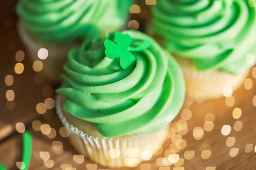 Use This Mint Cake & Cupcake Frosting Recipe on Your St. Patrick's Day Treats