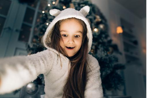 #MotherhoodRocks: Mom, This Year Give the Innocence of Christmas. Here's What I Mean...