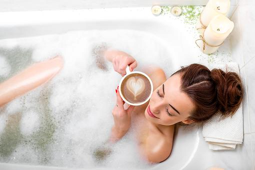 Need to Soak Your Cares Away? Try This Easy & Relaxing Detox Bath!