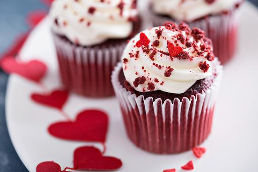 Red Sugar Beet Cupcakes: A Valentine's Day Dessert Without Artificial Colors!