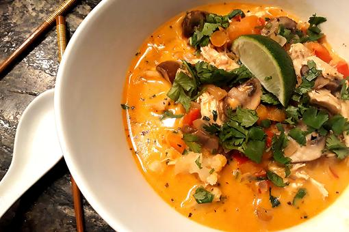One-Pot Recipes: Thai Curry Chicken Soup With Rice Noodles Is a One-Pot Wonder
