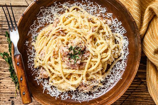 One-Pan Prosciutto & Parmesan Spaghetti Recipe: This 20-Minute Creamy Pasta Recipe Is Magic