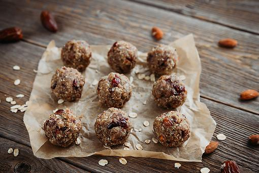 Peanut Butter Protein Balls Recipe: Easy No-Bake Energy Balls for Healthy Snacking