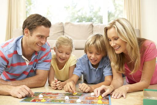 How Playing Board Games With Kids Helps Language Development
