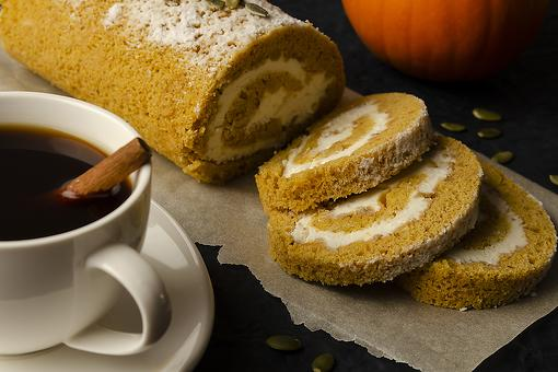 How to Make a Pumpkin Roll: This Is the Easiest Pumpkin Roll Recipe You'll Ever Make