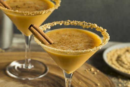 Pumpkin Pie Martini Recipe: This Yummy Pumpkintini Cocktail Is Like Spiked Pumpkin Pie In a Glass