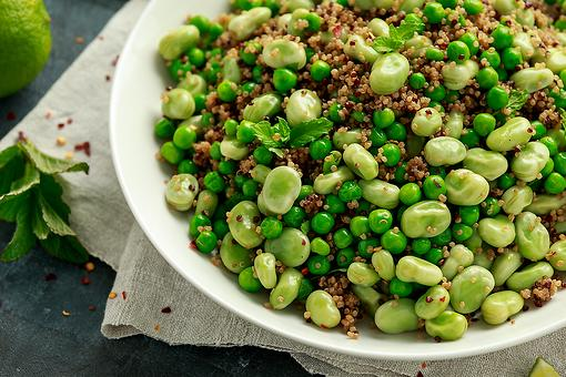 This Refreshing & Healthy Quinoa Salad Recipe With Edamame & Peas Belongs on Your Dinner Table
