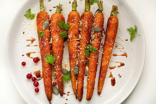 Honey Balsamic-Glazed Carrots Recipe: This Easy Roasted Carrot Recipe Has Amazing Texture & Taste