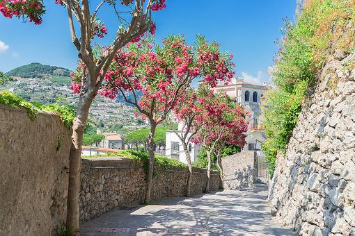 Ravello & Villa Cimbrone: Discover These Italian Treasures on the Beautiful Amafli Coast