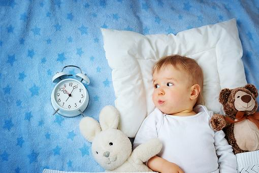 Daylight Saving Time: Tips From a Pediatric Sleep Expert to Make the Time Change a Breeze!