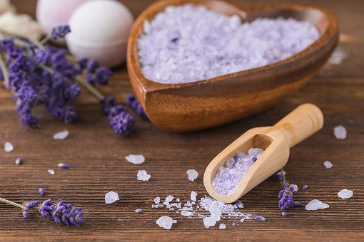 DIY Bath Salts: How to Make an Easy Lavender Oatmeal Bath at Home!