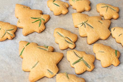 Rosemary Shortbread Holiday Cookies Recipe: Here's a Fun Way to Use That Rosemary Christmas Tree