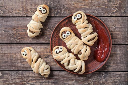 Sausage Mummies: The Perfect Guests for Your Halloween Dinner