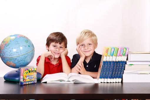 School at Home: 10 Advantages to Homeschooling Your Kids!