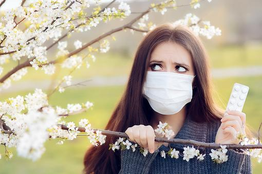 Seasonal Allergies: 5 Natural Ways to Deal With Those Allergy Symptoms!