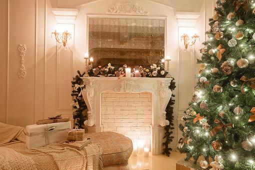 Selling Your Home? How to Decorate It for the Holidays!