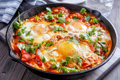 Shakshuka Recipe: Poached Eggs in Tomato Sauce Is the Hip New Egg Dish in Town