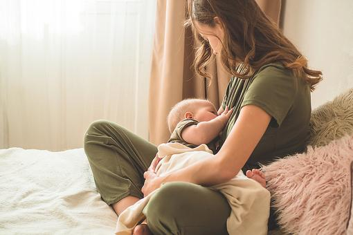 Should I Breastfeed My Baby? 5 Benefits of Breastfeeding Pregnant Moms Need to Know