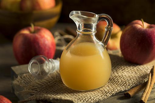 Apple Juice Vinaigrette Recipe: Pour Apple Season All Over Those Salad Greens With This Fall Salad Dressing & Marinade Recipe